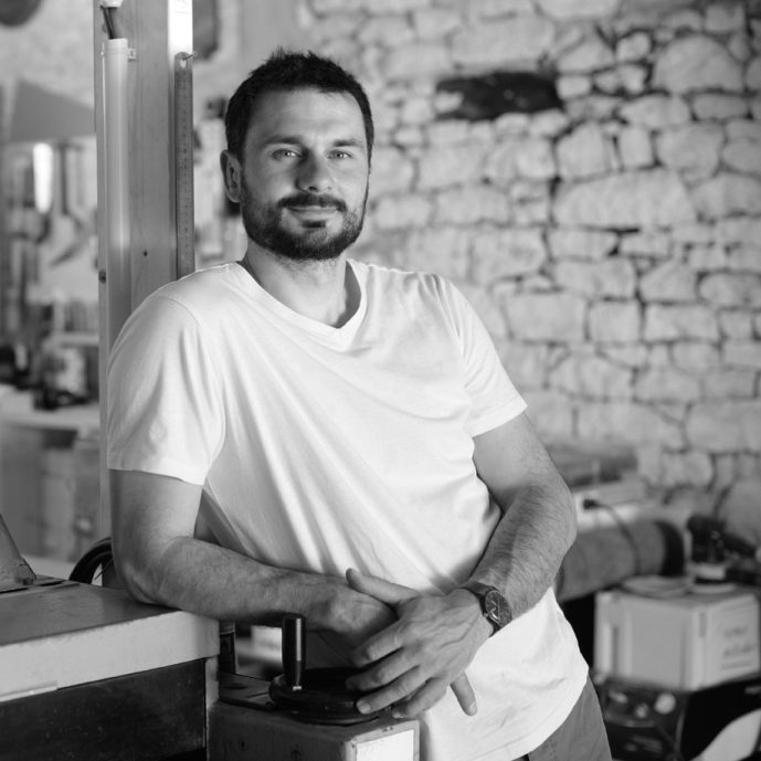 portrait de Sylvain Peny - artisan d'art et ébéniste menuisier à Bergerac
