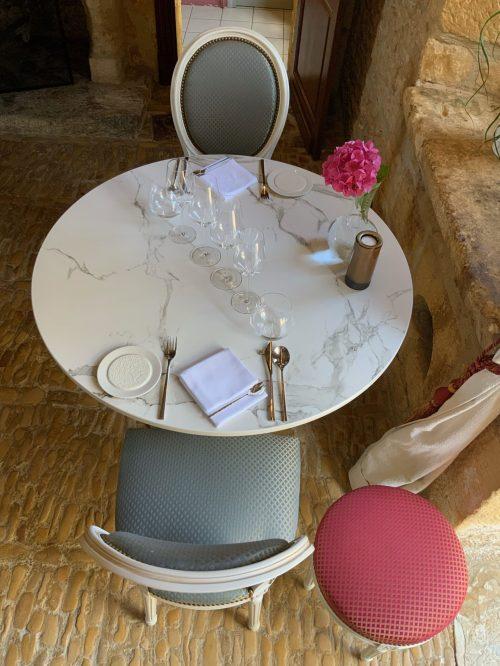 chaise_restaurant_suivante